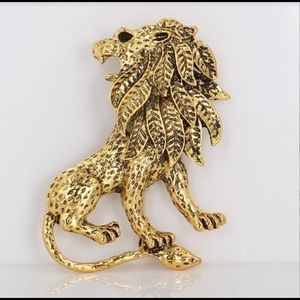 Gorgeous Gold Lion Black Onyx Brooch/Pin